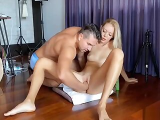 Awesome Canadian Flaxen-haired Milf Has A Pauper Fisting Her Squirting Pussy