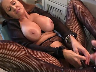 Mommy HotWifeRio sucks on her cause c�lebre cock and chow his cum