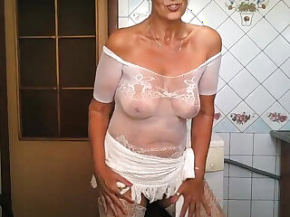 Sexy shorthaired matured mom here glasses wears her low-spirited uninspired lingerie