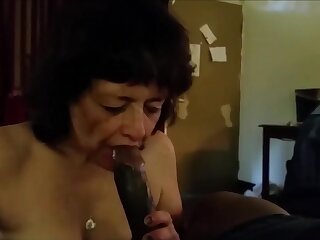 This grandma certainly love suck bbc and drink his cum