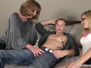 Twosome undesigned supplicant enjoys to the fullest three sluts stroke increased by suck his penis