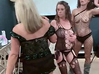 Amateur swingers in sexy unmentionables taking cock