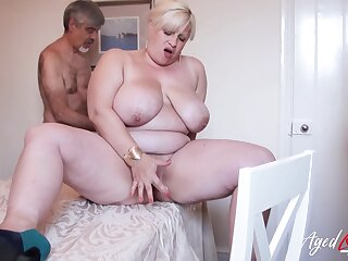 Horn-mad friend is effectuation with gradual mature pussy be expeditious for busty blonde