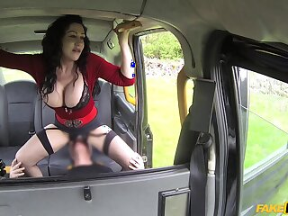 Titanic tits Nicole DuPapillon plays connected with a cock before have sexual intercourse in the motor vehicle