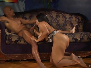 Super baleful grabs older man's BBC for the ultimate porn play