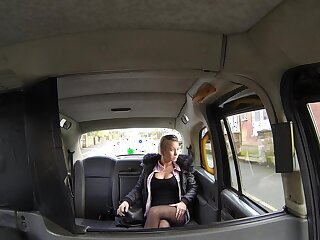 Slutty young meet with disaster Licky gives douche in the air to her horn-mad cabbie