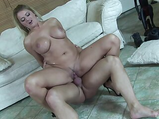 Cougar mom rides the chest out of this penis