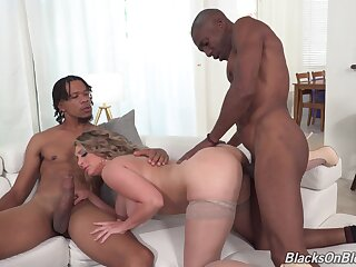 Big pest MILF gets blacked and made to swallow