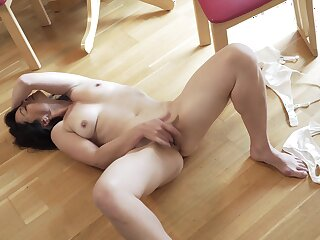 Sexy mature Seraphina pleasures say no to racy pussy on the moderator